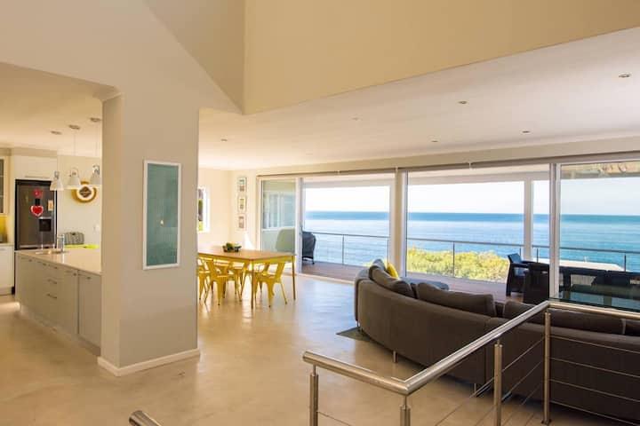 Bahari Seaside Villa