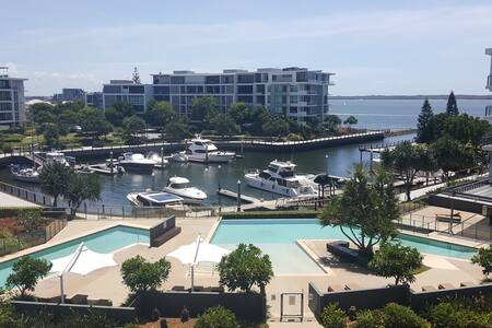 Luxury Gold Coast Escape - Hollywell - อพาร์ทเมนท์