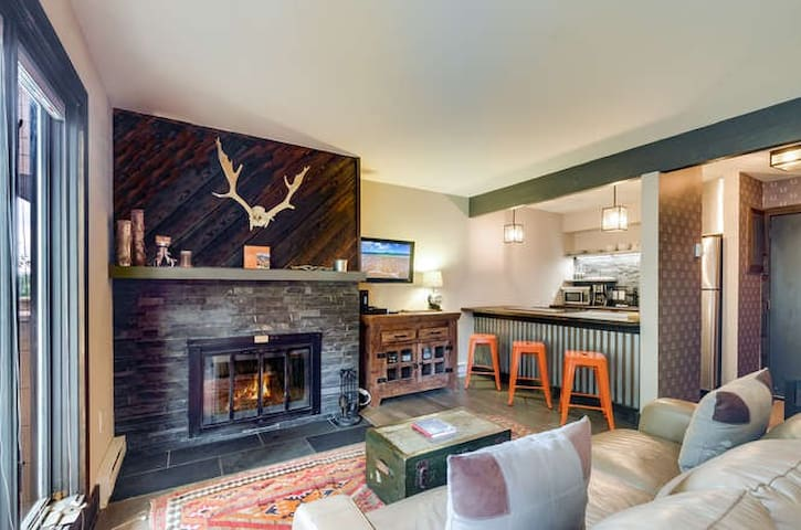 Hip and Cozy In-town King Studio - Breckenridge - Wohnung