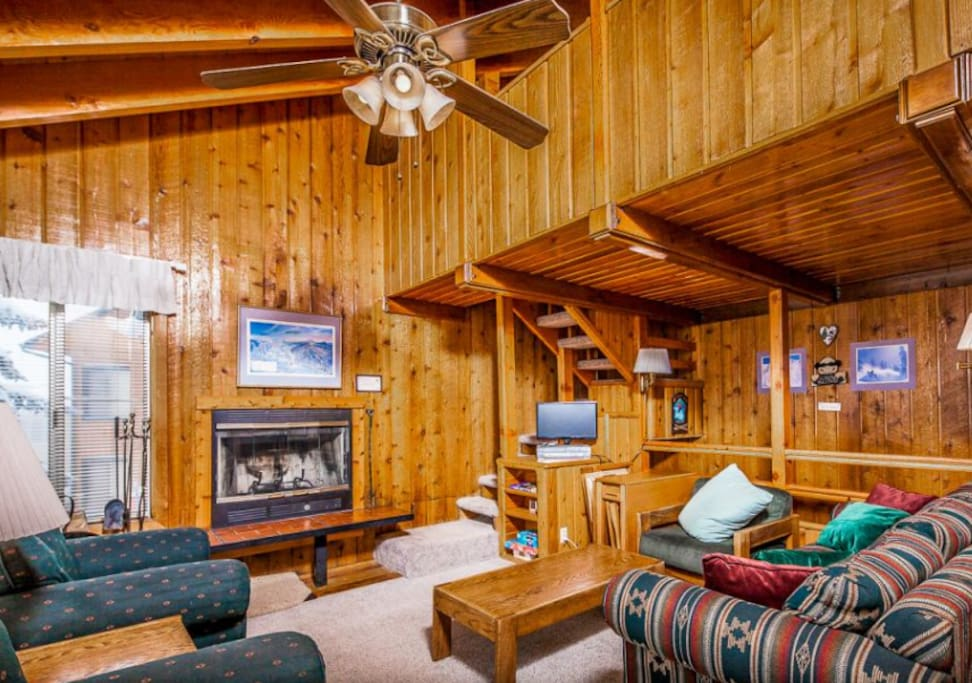 Sleeps 8 rustic condo with beautiful view townhouses for Cabin rentals vicino a brian head utah