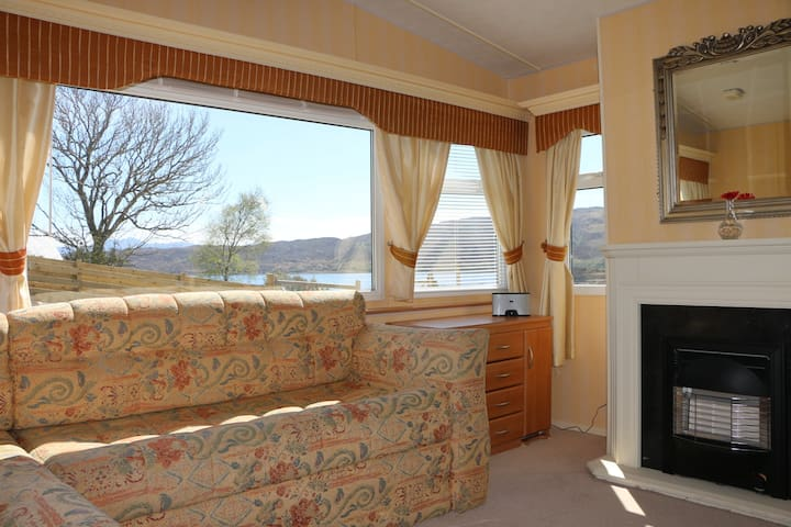 Warm Heaste Retreat with wifi and sea views