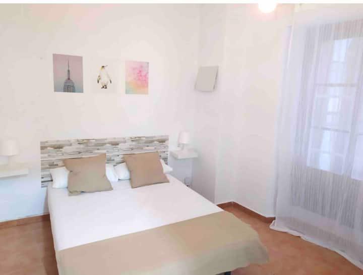 Apartamento 2 Dorm. Centro y Playa la Caleta