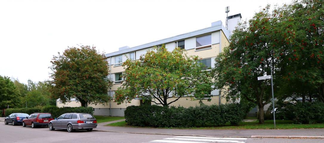 Two bedroom apartment in Helsinki, Vähäntuvantie 6