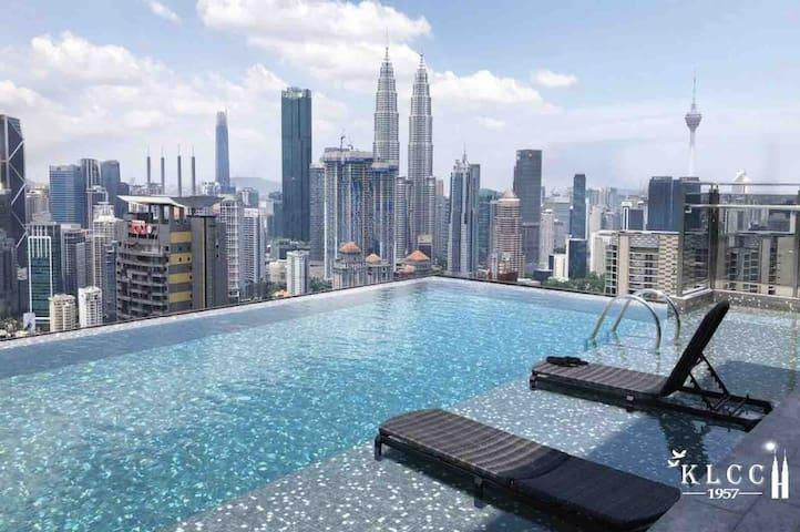 Supreme Suite with Twin Tower Insight By KLCC 1957