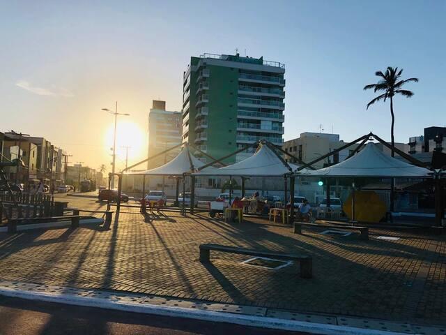 Lindo AP 1/4 Beira Mar, Decorado e Mobiliado.