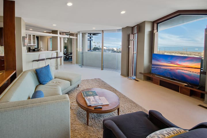 5 Bed Los Angeles - Ocean View, Walk to the Beach