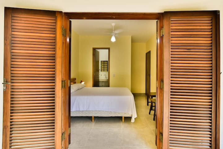 Suite Standard - com Varanda - Pitanga Suítes