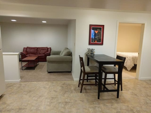 Private 1 BR Apt Near Sacred Heart and Fairfield U