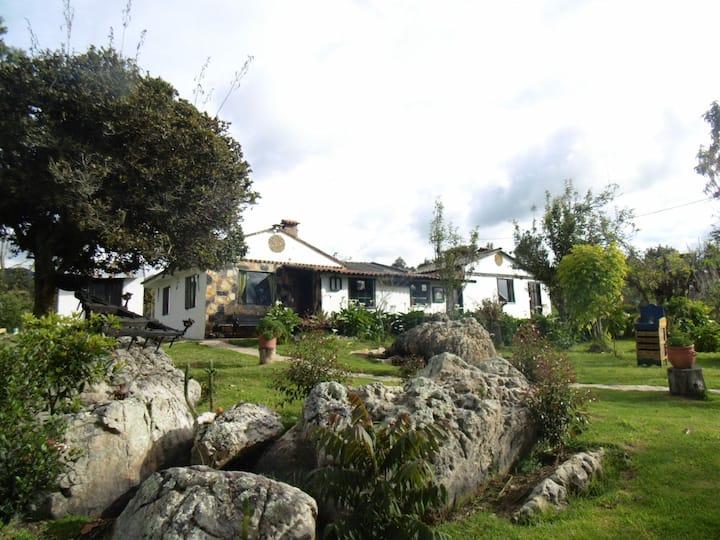 Casa campestre las Rocas. Descanso y pesca.