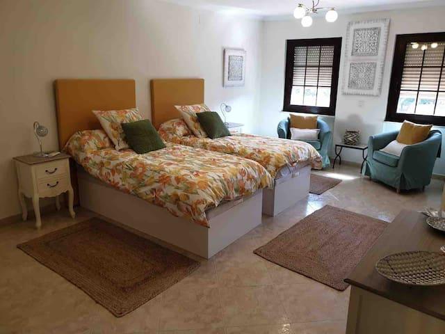left courtyard bedroom