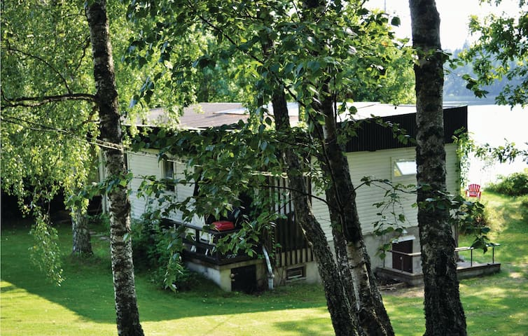 Holiday cottage with 3 bedrooms on 115m² in Sparreholm