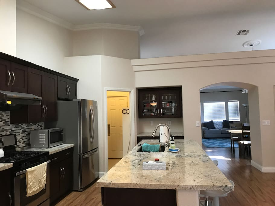 Kitchen w/microwave, coffee maker, toaster