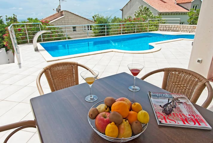 Luxurious Seaview Villa with Pool, Plat apt.5 - Dubrovnik - Villa
