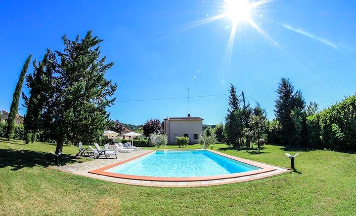 Appartamento comfort in agriturismo con piscina!