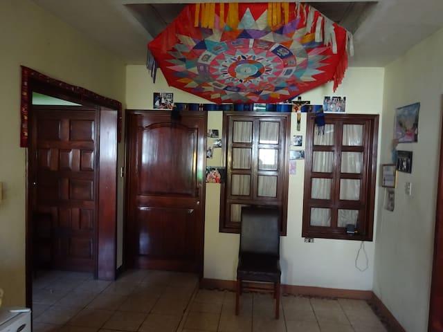 Hotel Villa Linda - familia Ixen Cocon - Patzún - House