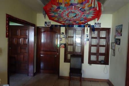 Hotel Villa Linda - familia Ixen Cocon - Patzún