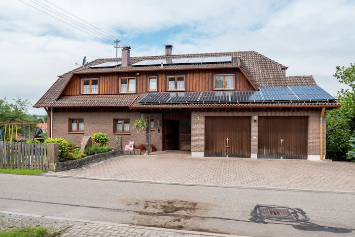 Spacious apartment in the Black Forest in a quiet residential area with private balcony