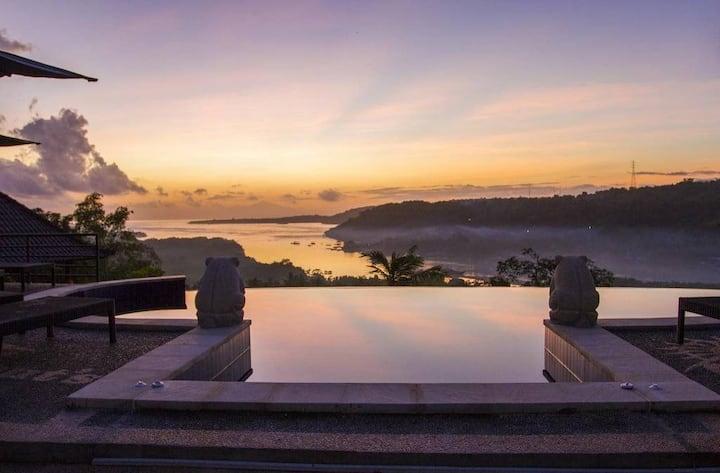 Sunrise Hill View huts @ Lembongan