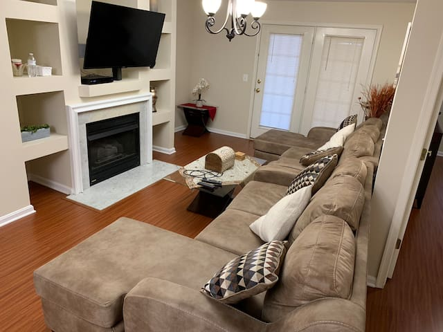 3BDR Condo in the heart of Annapolis, MD