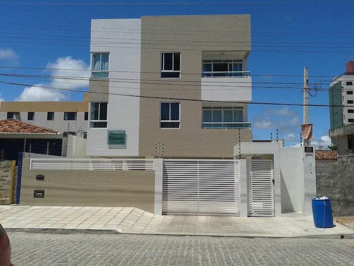 Apartamento leste/ sul praia do Bessa a 250 mar.