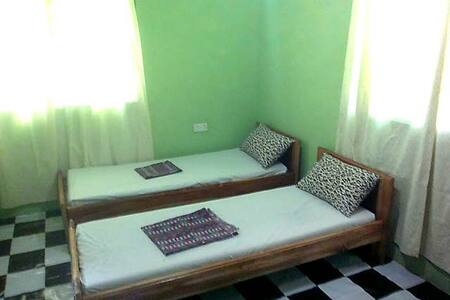 Wli Waterfall Inn, (homestay) in Volta