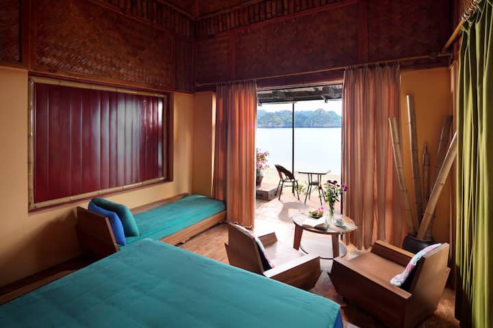 1 NIGHT ON BOAT & 1 Night CAT ONG  ISLAND BUNGALOW