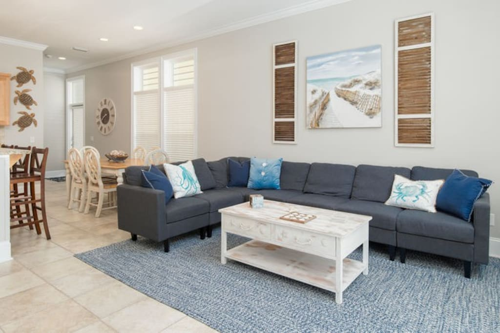 This 3 bedroom/3.5 bath home has been tastefully updated and features all the comforts you dream of when you're on a beach vacation!