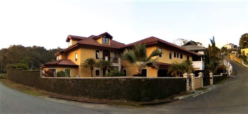 Carnival 2020 house rental
