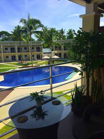Clarmiro Tropical -Premium Condo, near Alona!