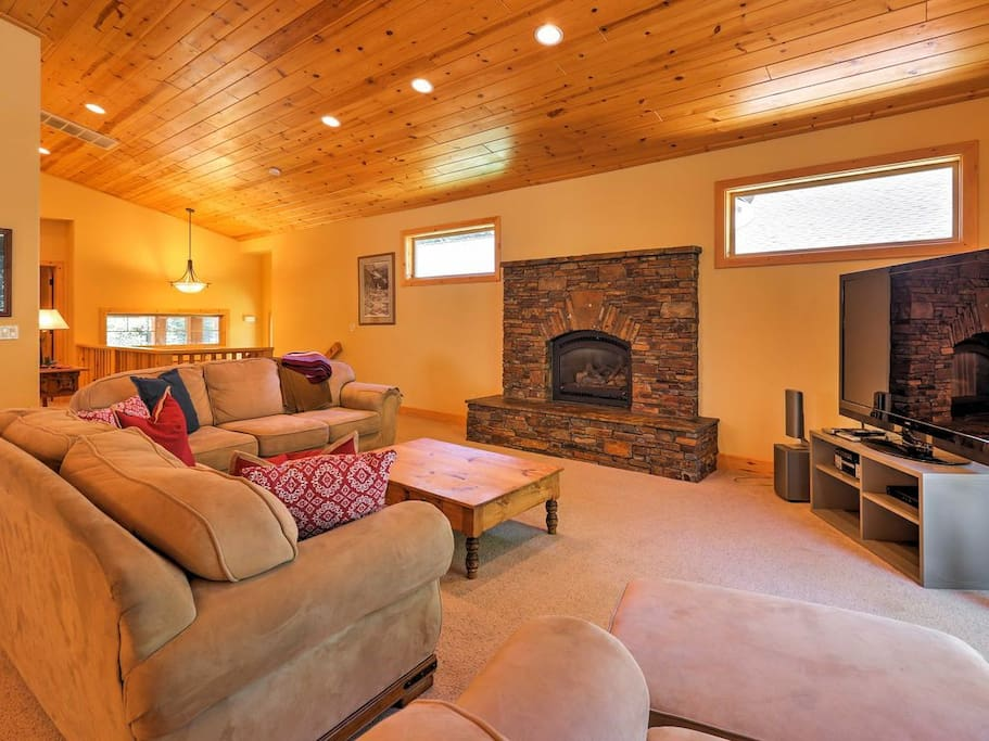 Warm up on the plush, comfortable couches while enjoying the cozy gas fireplace