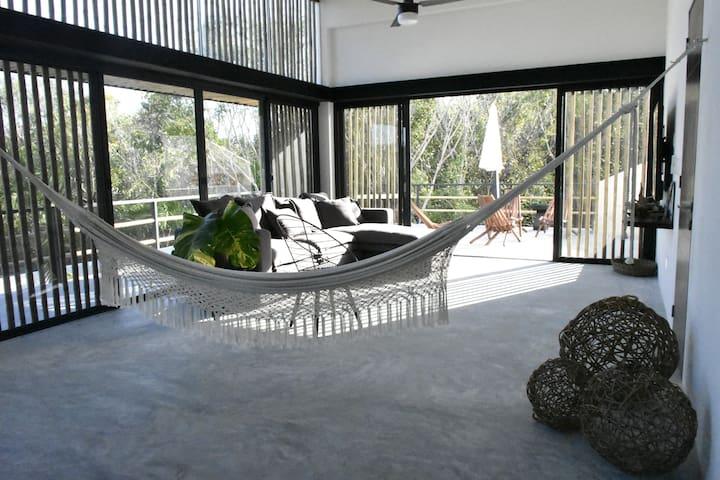 Stunning condo w/pool, private terrace & mayan tub