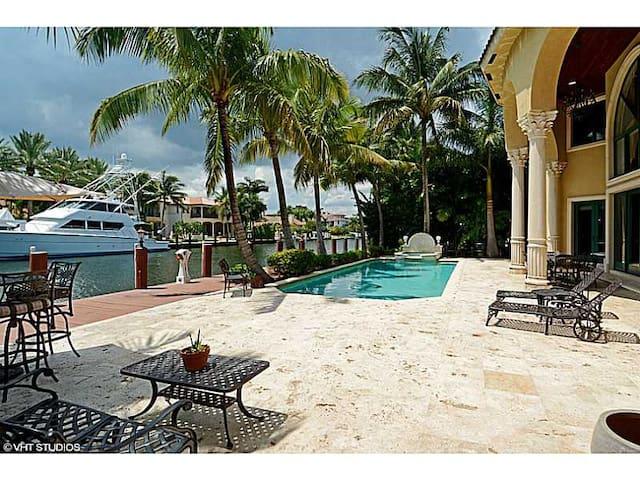 Magnificent Mediterranean Estate - Fort Lauderdale - Villa