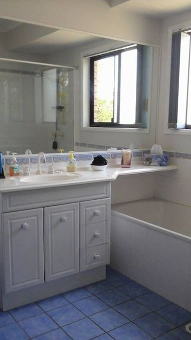 Main Bathroom which you have full use of.