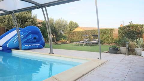 Studio dans jardin avec accès piscine