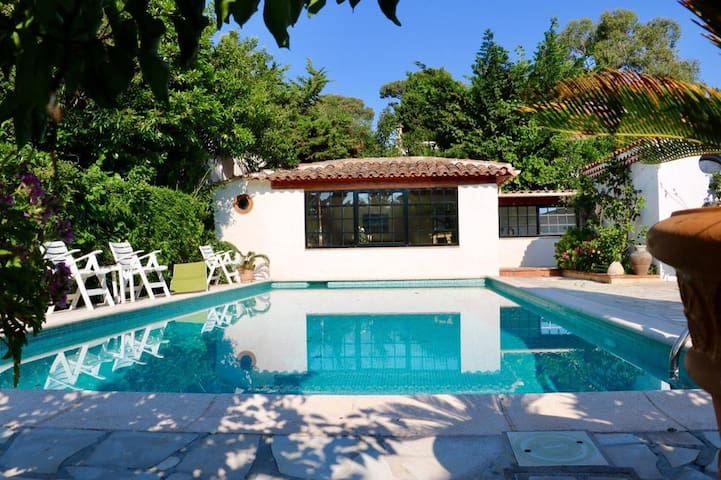 Poolhouse : Cap d'Antibes