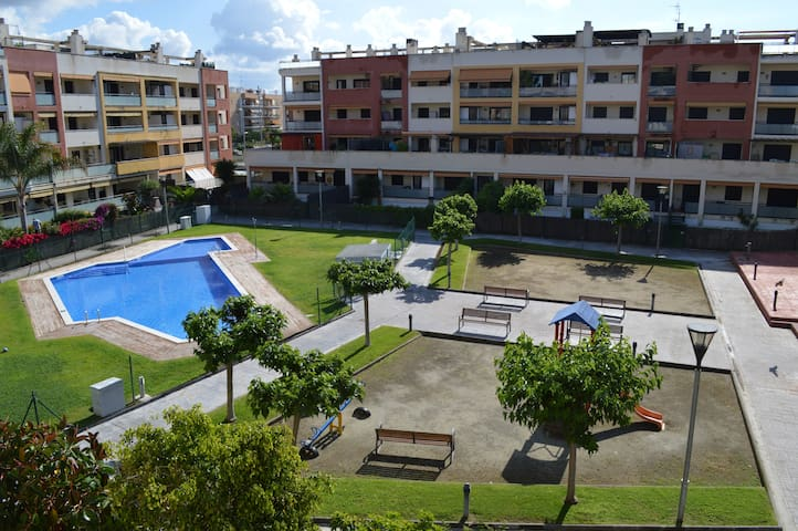 Spacious Tarragona Beach Apartment with pool