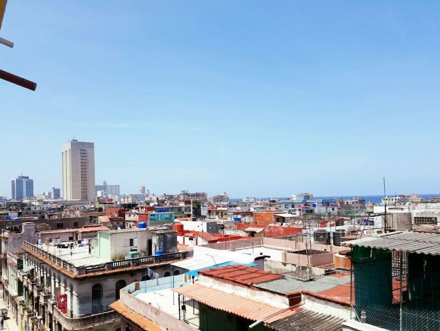 Una vista a La Habana desde el balcón