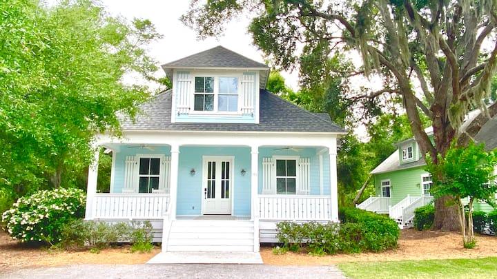 Beautiful Hilton Head Island Cottages, Blue