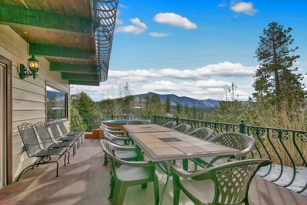 Lounge or Picnic with lake/mountain view