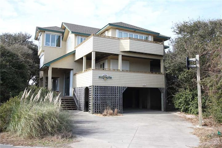 #VOH12: Partial OCEANVIEW Home in Corolla w/Hot Tub & Rec Room