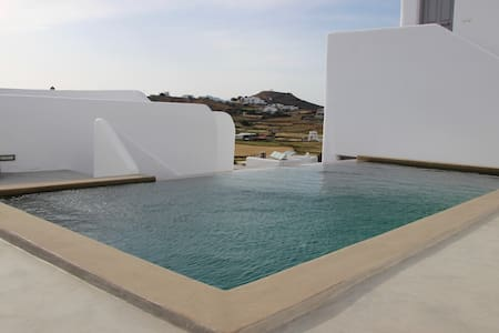 """""""SEMY"""" The Boho Chic House with Pool & Terrace"""