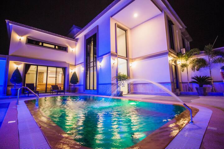 TOP pool villa 8bedrooms