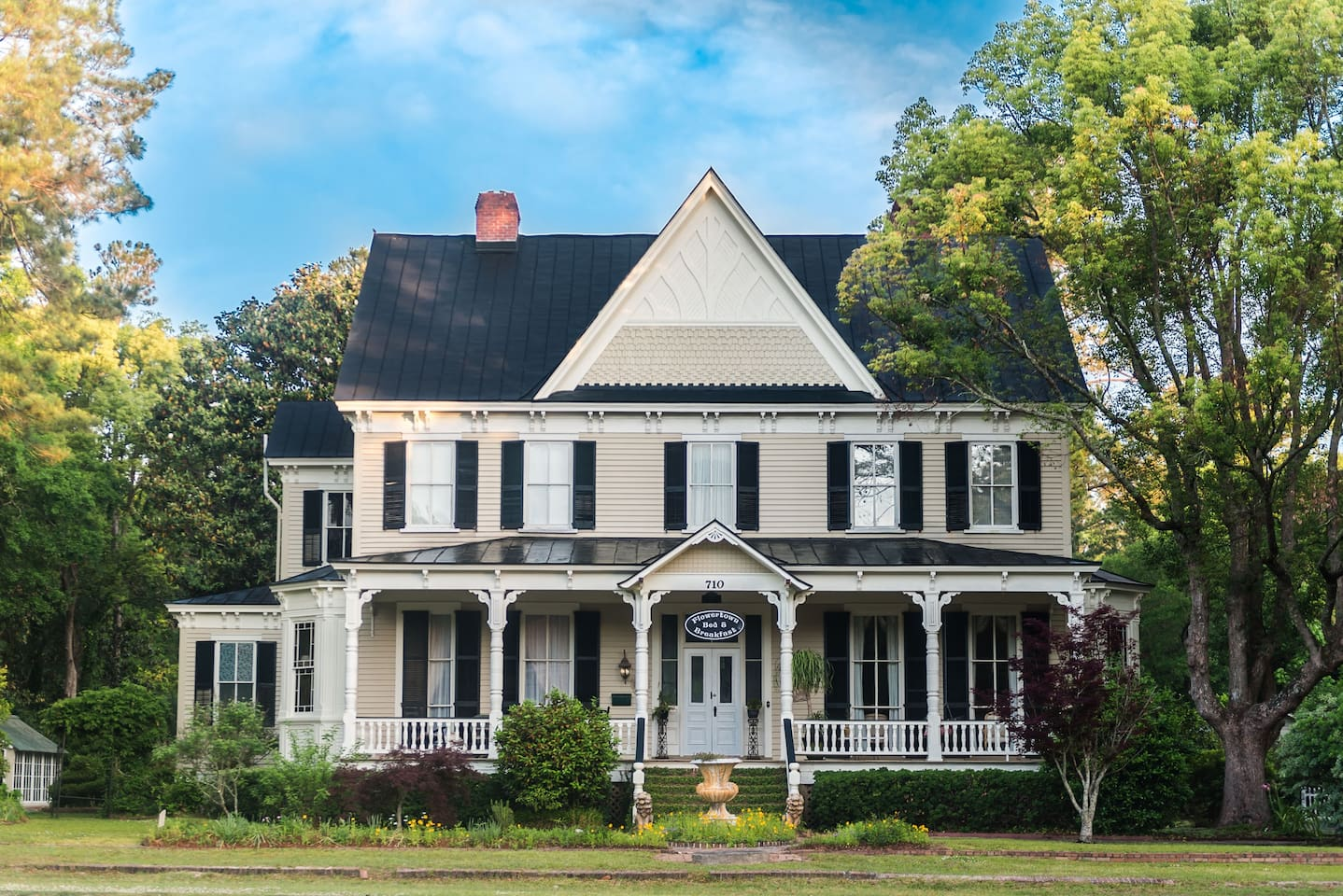 Charming 1889 Bed and Breakfast near Charleston, SC