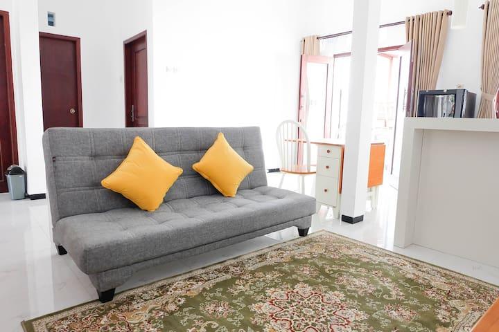 roemah29, 2BR comfy house & spacious backyard