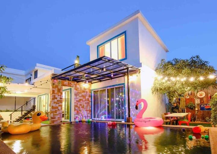 Hua Hin Pool Villa (Party Home)