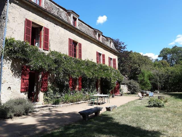 Manoir de Vault de Lugny , Avallon /Vézelay