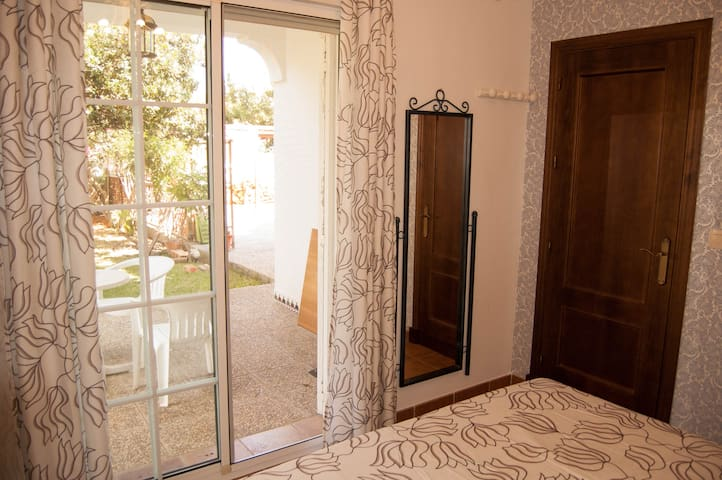 Wonderful room. Private full bathroom. - Chiclana de la Frontera - Chalet