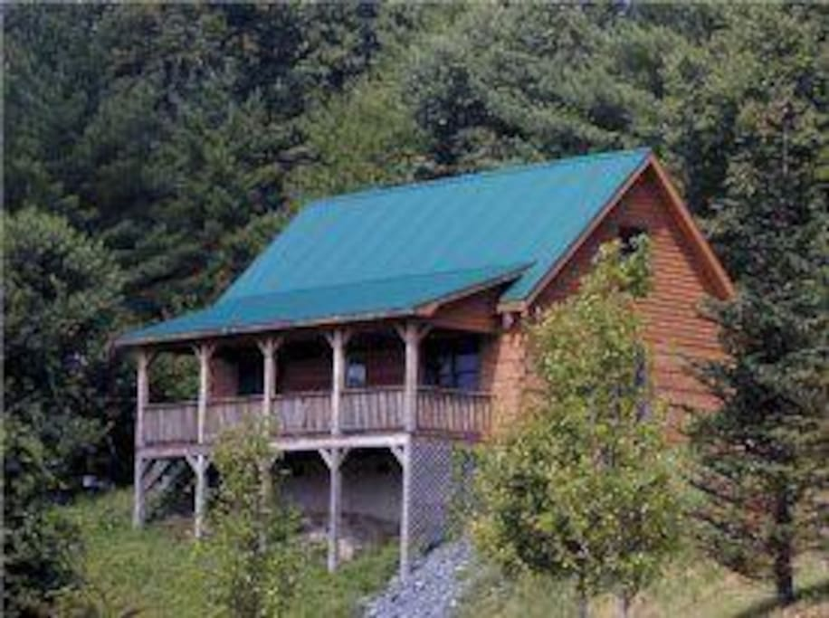 A bear 39 s den blowing rock cabin cabins for rent in for Cabin rentals near blowing rock nc