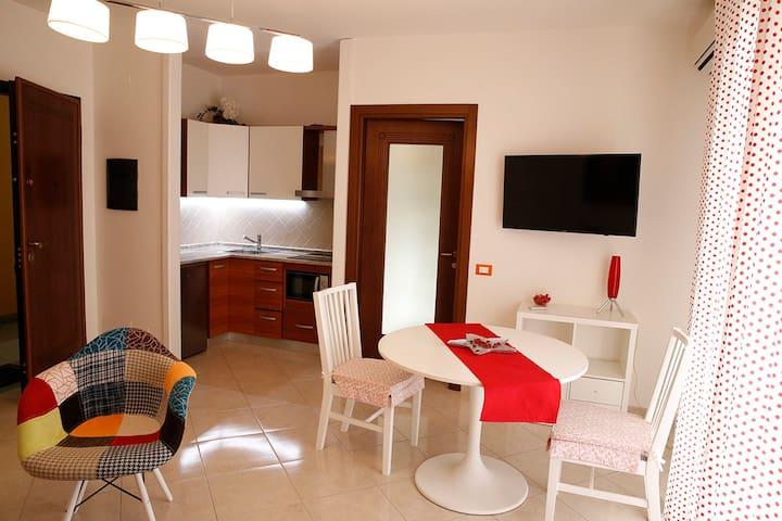 Piccolo appartamento tra città e mare. iunP1371