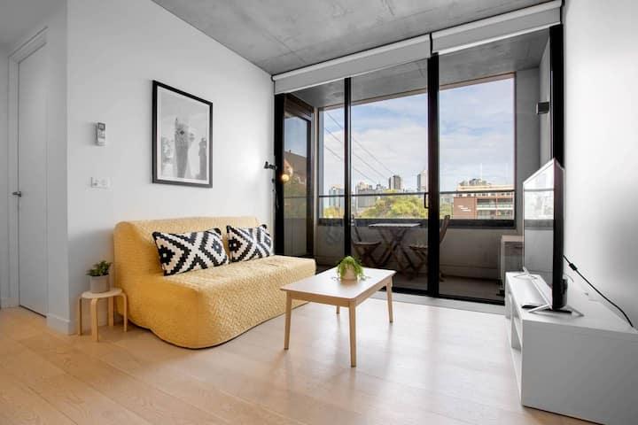94*Inner city fancy apartment*1Bd1Bth